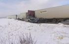 В Канаде столкнулись 15 автомобилей, есть пострадавшие