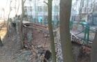 У Києві впав пішохідний міст