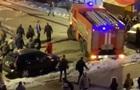 Киевляне расталкивали авто для проезда пожарных
