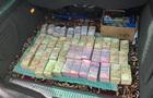 Луценко показав мішок грошей  на підкуп виборців