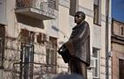 У Києві відкрили пам ятник зірці шансону Вертинському