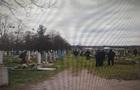 У Черкаській області підлітки розгромили кладовище