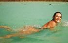 Кэндис Свейнпол показала пикантные фото с отдыха