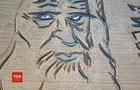 Итальянец создал на поле портрет Леонардо да Винчи