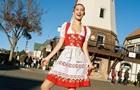 Белла Хадид снялась для Vogue в  костюме пастушки