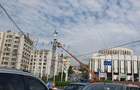 У центрі Києва встановили емблему НАТО