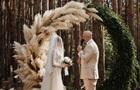 Другий день весілля Каменських і Потапа: застілля і народні пісні