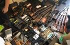 У харківській квартирі виявили арсенал зброї