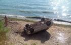 В Одесі авто зі схилу впало на пляж