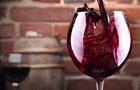 Туристам в грузинских аэропортах будут дарить вино