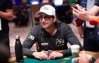 На место в Зале славы покера претендует богач Эсфандиари и  старички
