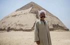 В Египте для туристов открыли  ломаную  пирамиду