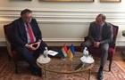 Украина обратилась к Венгрии из-за выборов