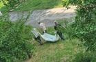 На дитячому майданчику в Запоріжжі кілька годин лежав труп