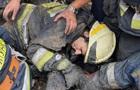 На пожаре в Днепре завалило троих спасателей