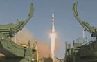 Росія запустила ракету Союз з роботом на борту