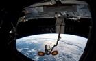 NASA показала выход астронавта в открытый космос