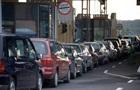 Автомобільні черги на кордоні з Угорщиною подвоїлися