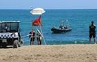 У Барселоні евакуювали пляж через снаряд в морі