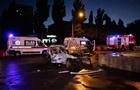 У Києві з палаючого авто дістали двох людей