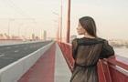 Модель снялась обнаженной на мосту в Днепре