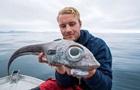 Рибалка зловив  окатого динозавра