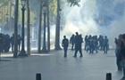 У Парижі застосували газ проти протестувальників