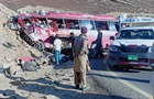 У Пакистані автобус врізався в пагорб: 26 жертв