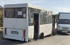 У Дніпрі маршрутка з пасажирами на ходу втратила два колеса