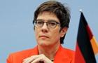 Наступниця Меркель закликала не мовчати про анексію Криму