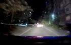 Пьяный водитель в Сумах 30 метров тянул копа за машиной