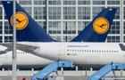 У Німеччині скасовано сотню рейсів через страйк бортпровідників