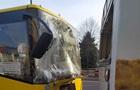 ДТП у Львові: зіткнулися два автобуси, десять постраждалих