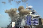 Два подъемных крана взорвали в США