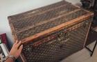 Украинка хранила зерно в Louis Vuitton 1880 года