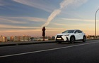 У Lexus назвали дату прем єри свого першого електрокара