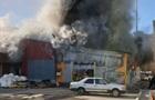 В Киеве горит бывшая швейная фабрика