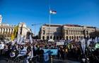 В Будапеште массово протестуют против законопроекта о театрах