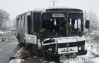 Під Тернополем жінка під час ДТП вилетіла з автобуса і потрапила під колесо