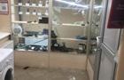 В Житомирі іноземець влаштував погром у ломбарді і забрав техніку