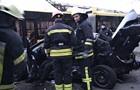 В Киеве легковушка врезалась в остановку с людьми, есть жертвы