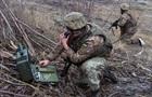 Доба на Донбасі: 12 обстрілів, є поранений