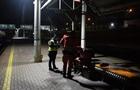 У Києві біля залізничної колії знайшли мертвого чоловіка