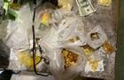 На Рівненщині під час обшуків вилучили 42 кіло бурштину