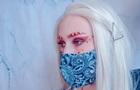 Фешн-блогери показали відповідний до масок макіяж