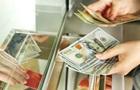 Українці в березні купили на $210 млн більше валюти, ніж продали
