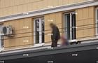На самоизоляции детей выгуливали на крыше дома
