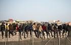 В Африке сотни мигрантов штурмовали испанский анклав