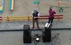 Карантин: у Тернополі проводять  паті на балконах