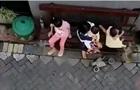 Мавпа на мотоциклі намагалася вкрасти дитину